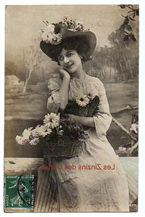 carte postale ancienne femme d'occasion