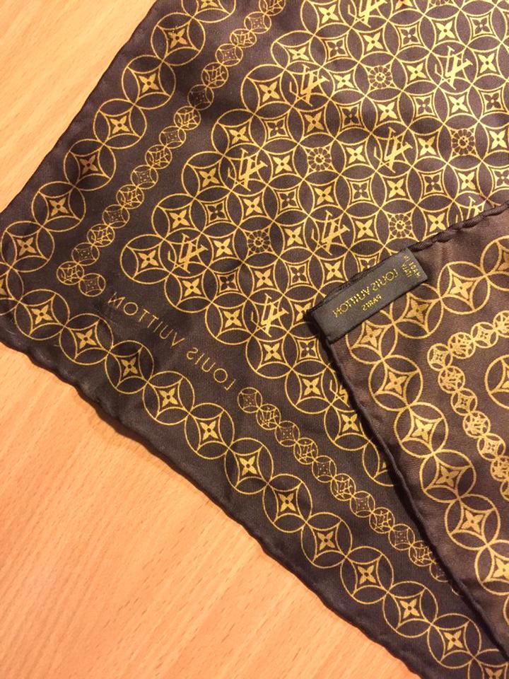 foulard vuitton d'occasion