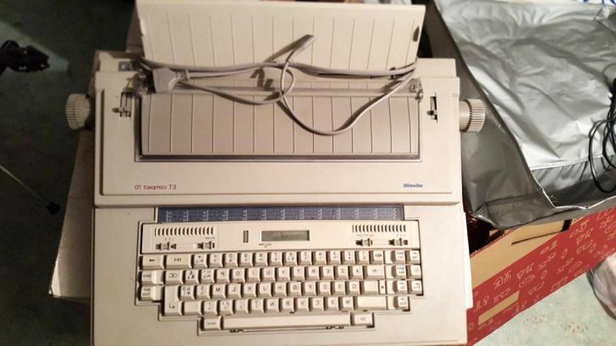 machine ecrire olivetti compact 70 d'occasion