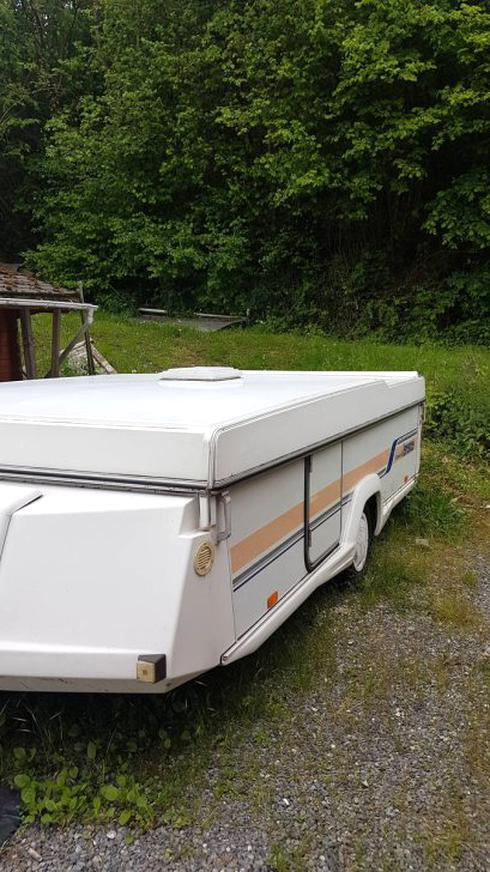 Occasion caravane pliante rigide esterel