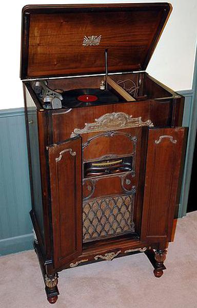 Meuble Radio 1930 D Occasion Plus Que 4 A 70