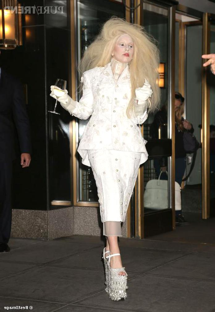 lady gaga chaussure d'occasion