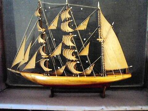 bateau miniature d'occasion
