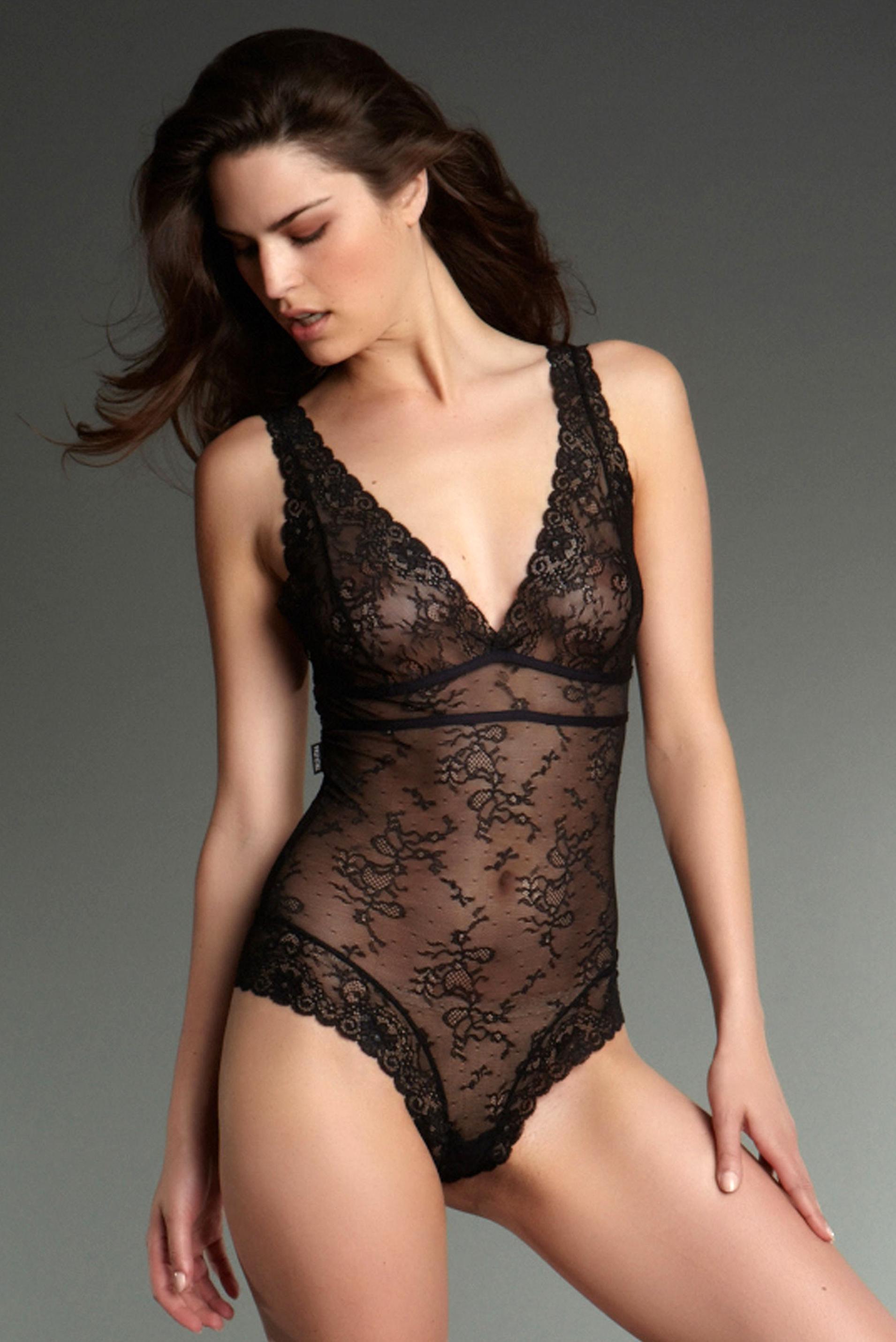 body string dentelle d'occasion