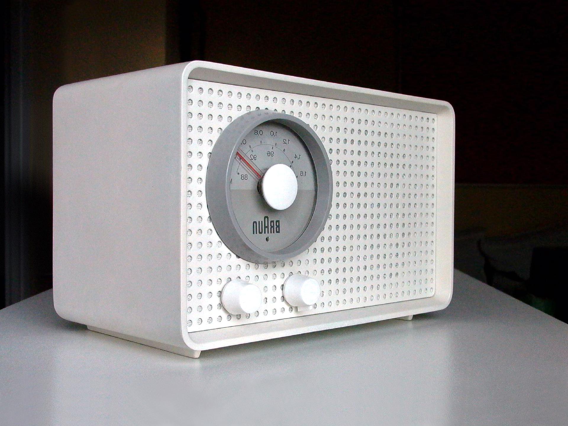Braun Radio d'occasion | Plus que 3 à 75%