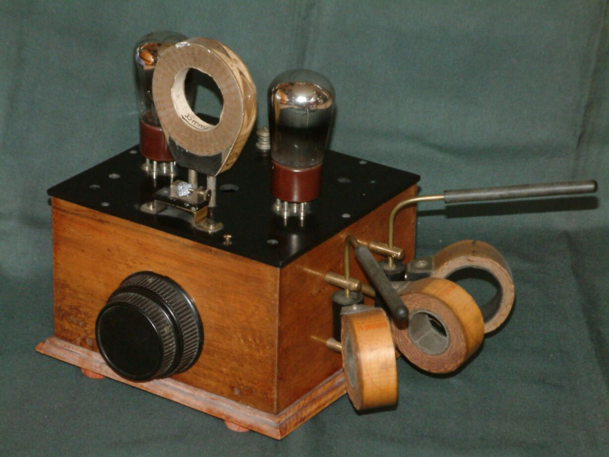 anciennes radio tsf a batterie d'occasion