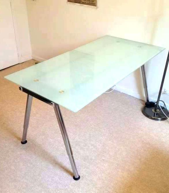 Bureau Ikea Trempe
