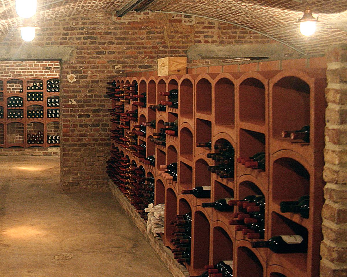 Bloc Cellier Vin D Occasion Plus Que 3 A 60