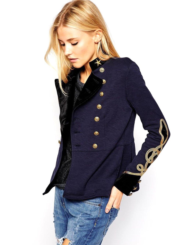 manteau officier femme bleu marine avec du rouge