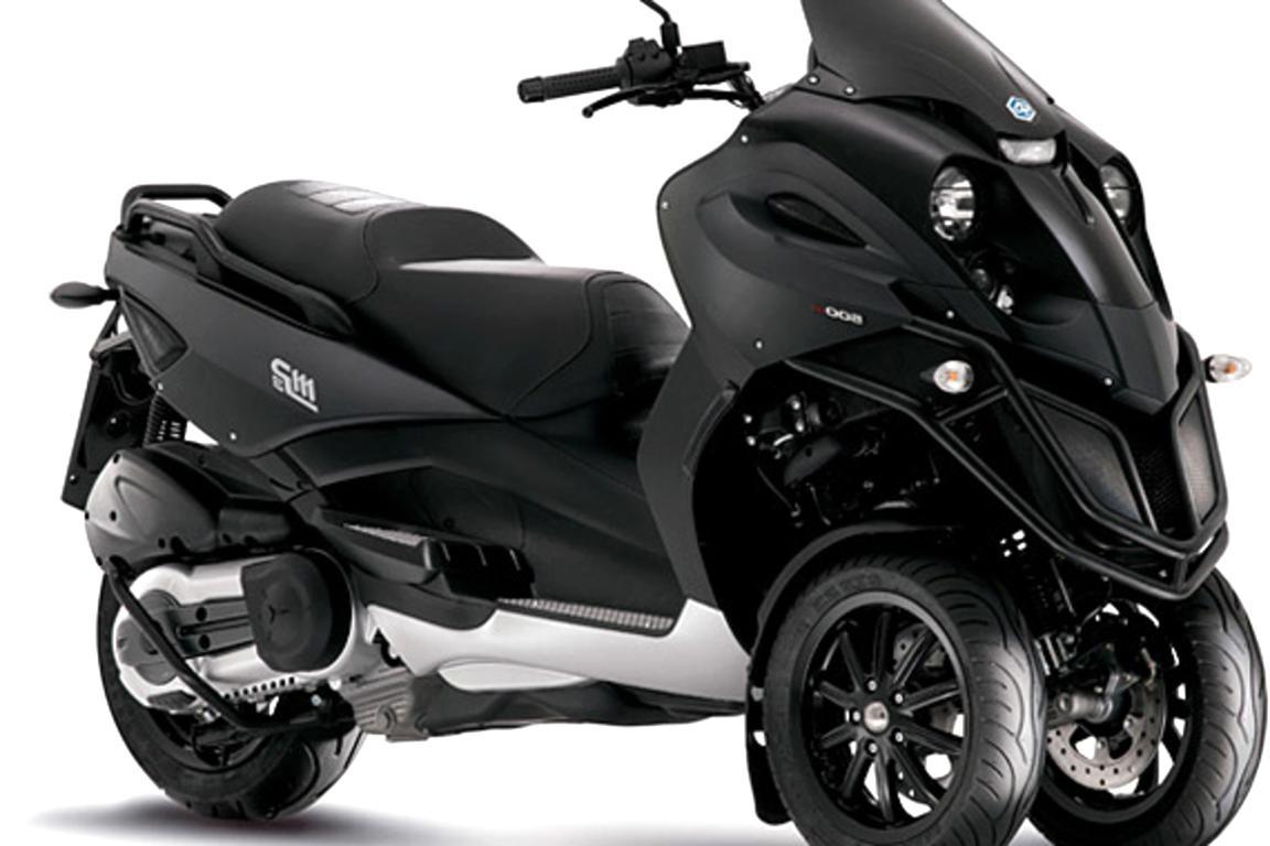 DS Covers 73160621/Alfa Housse Universelle de Protection pour Scooter Trois Roues Piaggio Taille M Noir