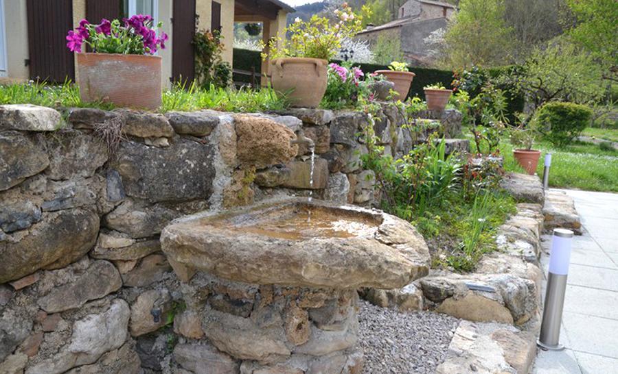 fontaine pierre naturelle d'occasion